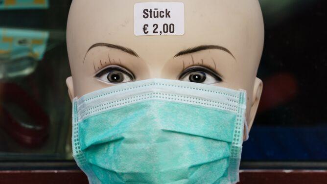 WHO: samymi maseczkami nie powstrzymamy pandemii