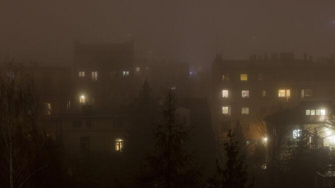 Wieczór ze smogiem. Miejscami powietrze ma fatalną jakość
