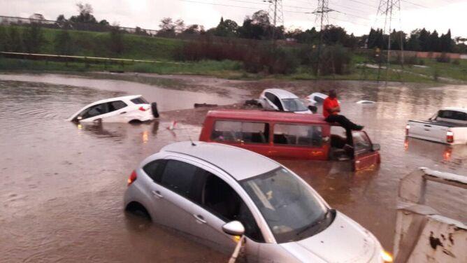 Dramatyczna powódź w RPA. <br />Są ofiary śmiertelne